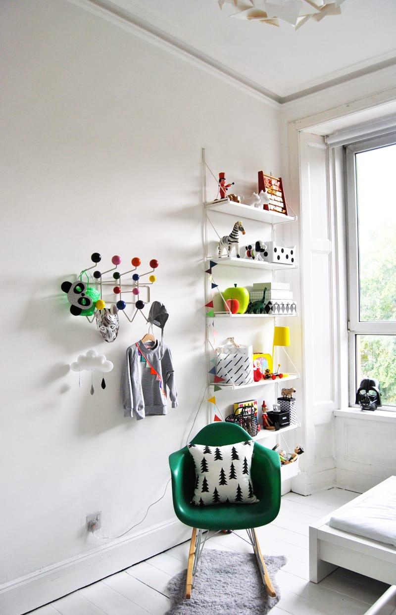 four favourites eames hang it all cult furniture blog. Black Bedroom Furniture Sets. Home Design Ideas
