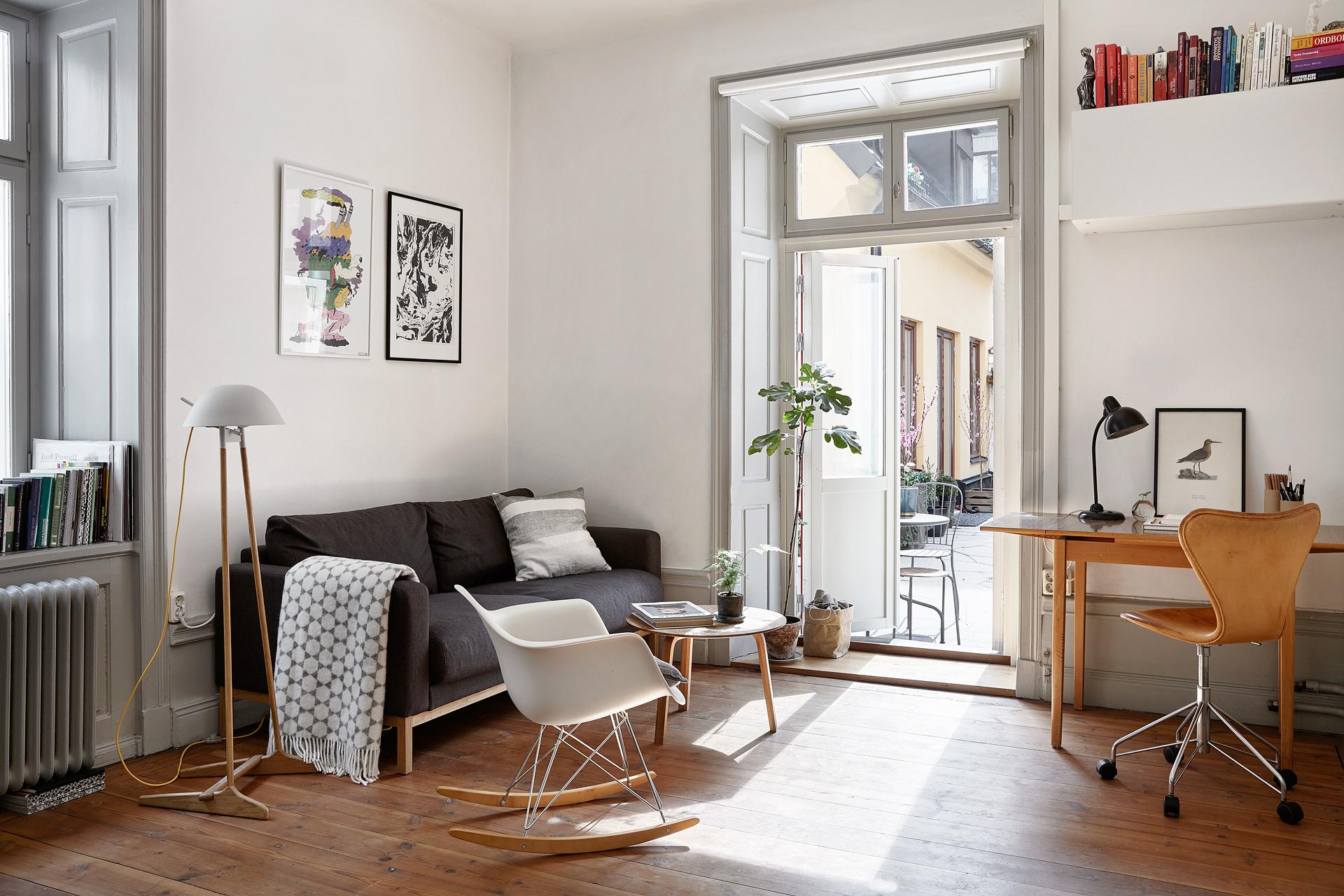 Eames Style Rocking Chair Zelfaanhetwerk