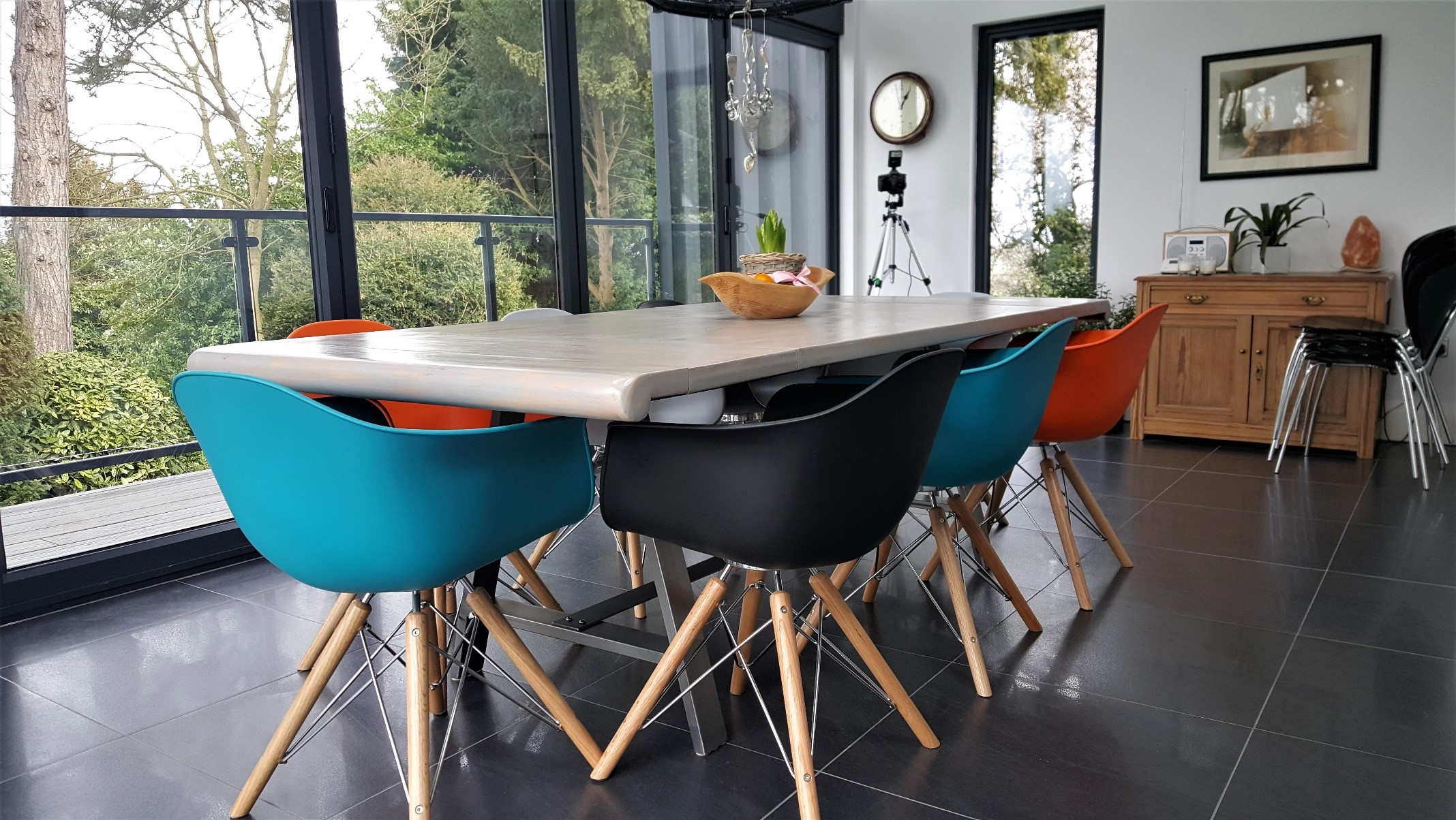 Try Adding Two Diffe Coloured Chairs To Each End Of The Table Or A Random Odd One Out It Shouldn T Work But Does