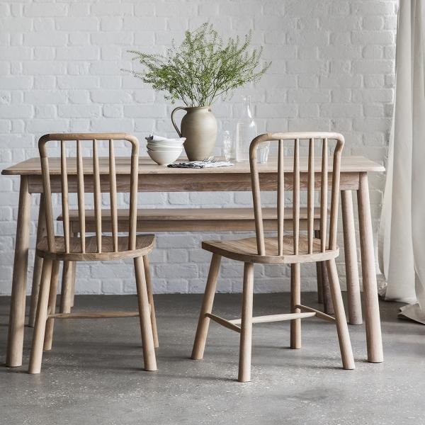 Modern Oak Dining Tables