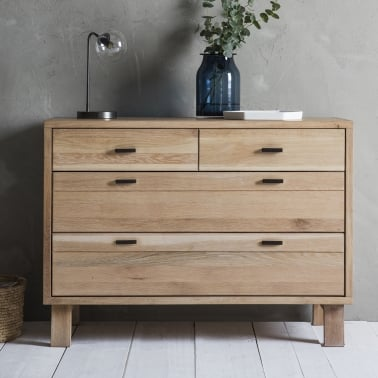 Waldorf Contemporary 4 Drawer Chest of Drawers, Oak
