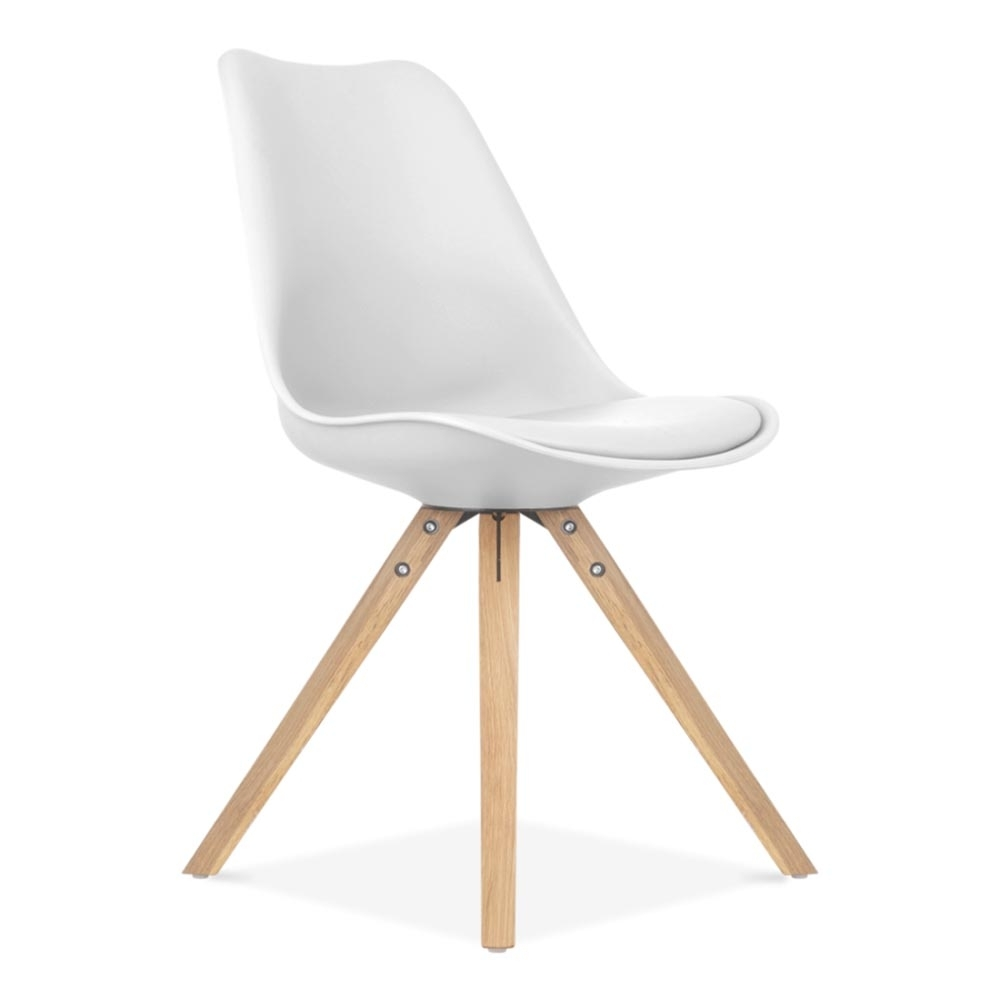 Eames inspired white dining chair with pyramid oak wood for Chaises blanches pied bois