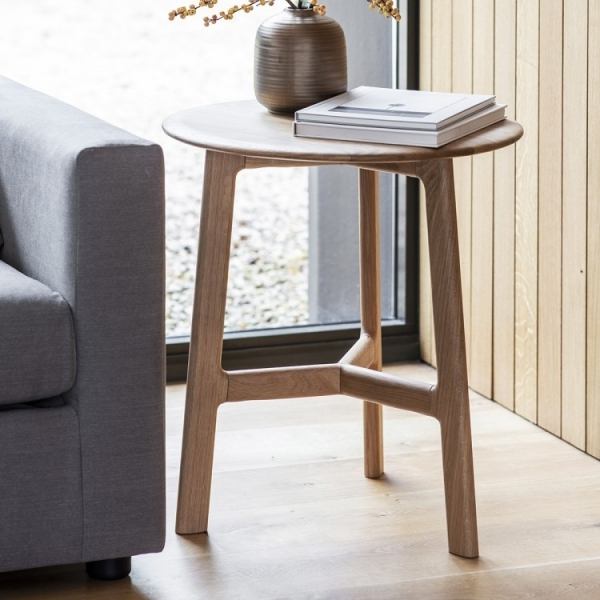 Solid Oak Round Coffee//Bedside Table